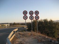muchas cosas estan prohibido en la Autovia